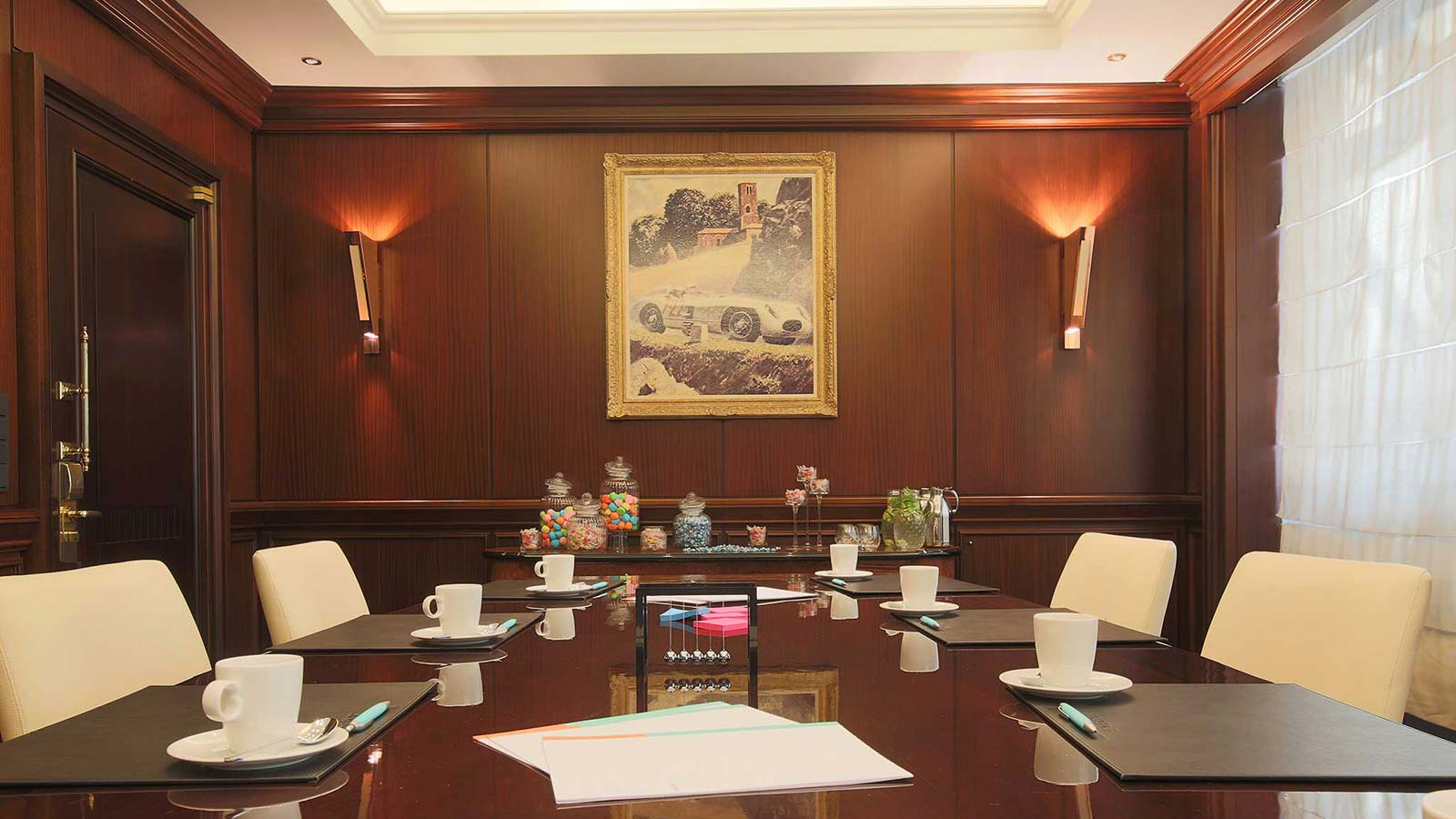 Boardroom Daimler for your meeting at Le Méridien Hotel Stuttgart